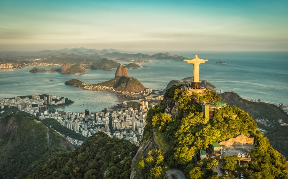 10 voyages à faire entre copines - Samba et crème UV au Brésil