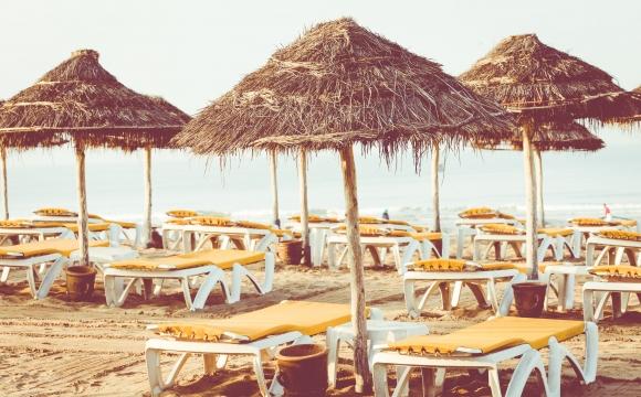10 activités incontournables à faire à Agadir - Lézarder sur la plage
