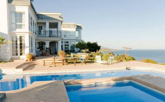 Les 10 plus belles villas d'été vues sur Airbnb - Malibu Ocean View Villa