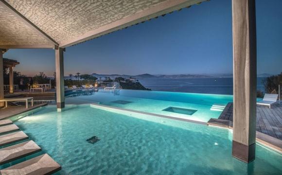 Les 10 plus belles villas d'été vues sur Airbnb - Villa Nathalie à Saint-Tropez