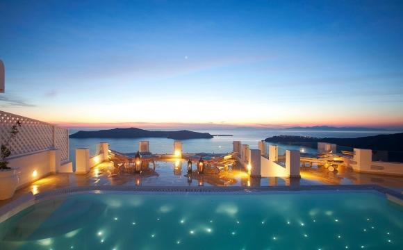 10 hôtels romantiques à Santorin - Détente et design à Perissa