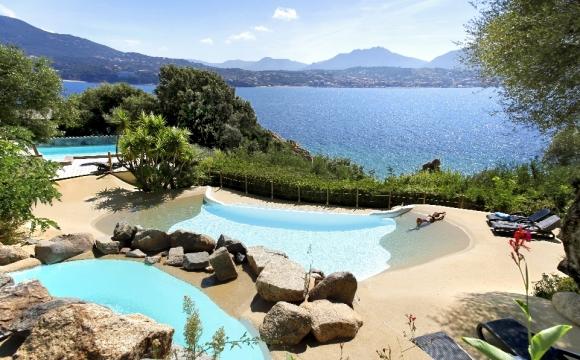 Les 10 plus belles piscines de France - Hotel Marinca & Spa à Olmeto en Corse