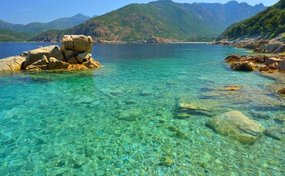 12 endroits pour nager dans l'eau turquoise - Corse