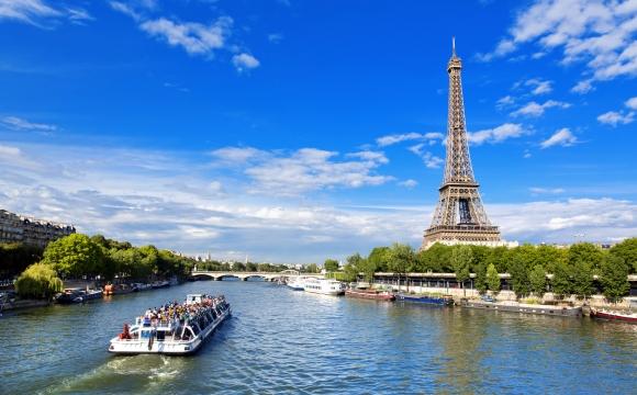10 villes françaises dont vous ignorez les origines de leur surnom !  - La ville Lumière, Paris
