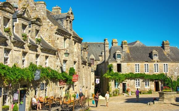 Les 10 plus beaux villages de France - LOCRONAN, Bretagne