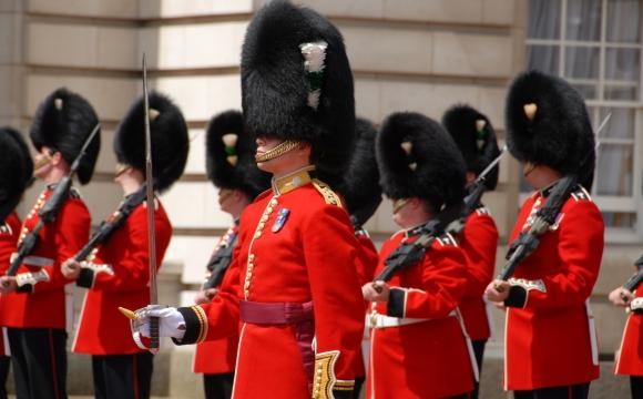 10 visites inratables à Londres - La relève de la garde