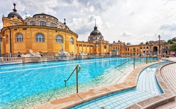 Les plus prestigieux bains thermaux de Budapest  - Des bains et sources pour tous les goûts