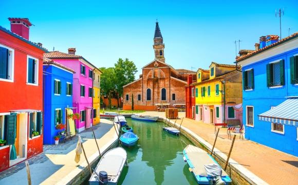 Top 10 des destinations les plus colorées du monde - BURANO, Italie