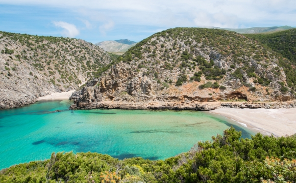 Les 10 plus belles plages de Sardaigne - Cala Domestica, plus animée