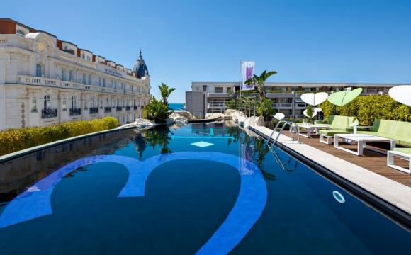 Les 10 plus belles piscines de France - 3.14 Hôtel à Cannes