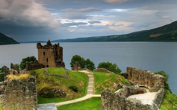 10 lieux qui font frissonner - Le lac du Loch Ness
