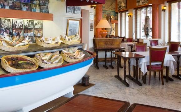 10 restaurants pour d guster la v ritable bouillabaisse marseille l 39 officiel des vacances. Black Bedroom Furniture Sets. Home Design Ideas