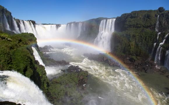 Quelles sont les 7 merveilles du monde ? - Les chutes d'Iguaçu entre Argentine et Brésil