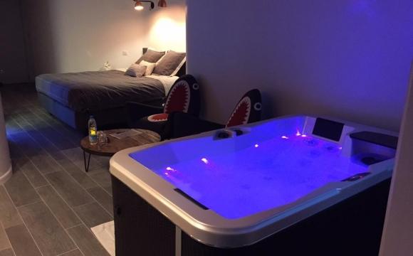 10 chambres d'hôtel en France avec jacuzzi - Le Comptoir Industriel, Lille