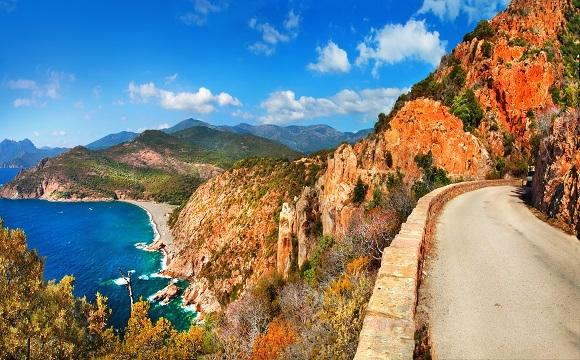 Les 10 plus belles routes au monde à faire en moto - Un Road trip de Bastia à Calvi, France