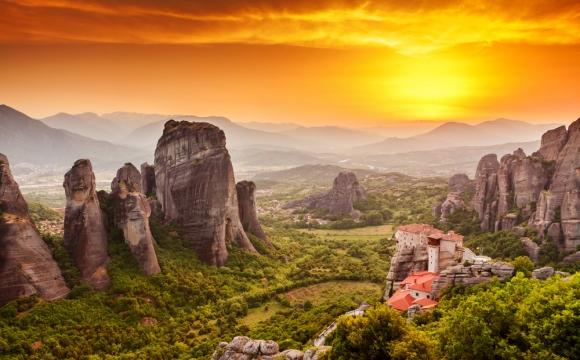 10 raisons pour lesquelles on adore la Grèce - Un coucher de soleil à Météores