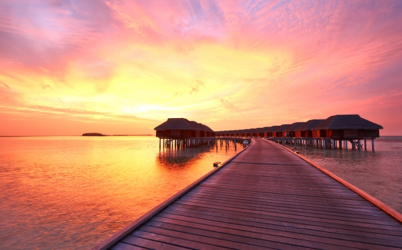 10 photos de voyage pour voir la vie en rose - Coucher de soleil aux Maldives