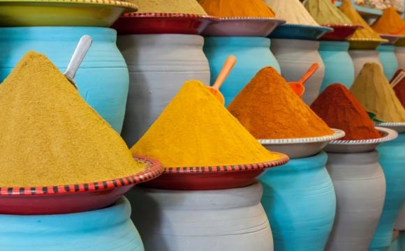 Top 10 des lieux à visiter à Marrakech - Faire du shopping dans les souks