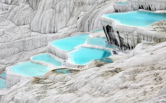 Les 10 plus belles sources d'eaux chaudes du monde - Les bassins de Pamukkale en Turquie