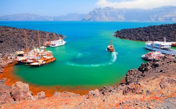 Activités à faire à Santorin - Se baigner dans un volcan