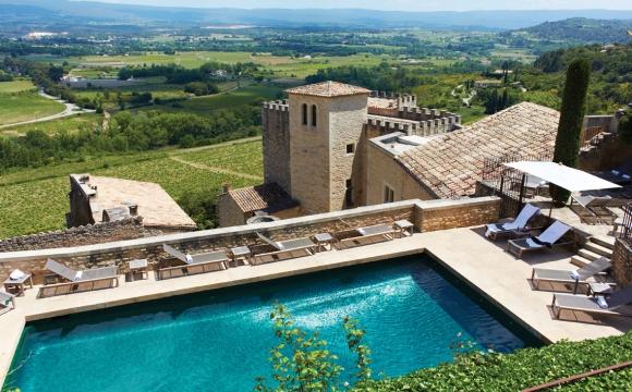 Les 10 plus belles piscines de France - Hôtel de Crillon-le-Brave dans le Vaucluse