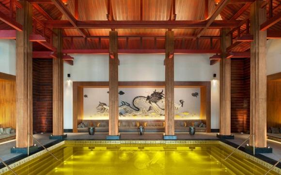 10 hôtels avec une piscine exceptionnelle - Gold Energy, Tibet