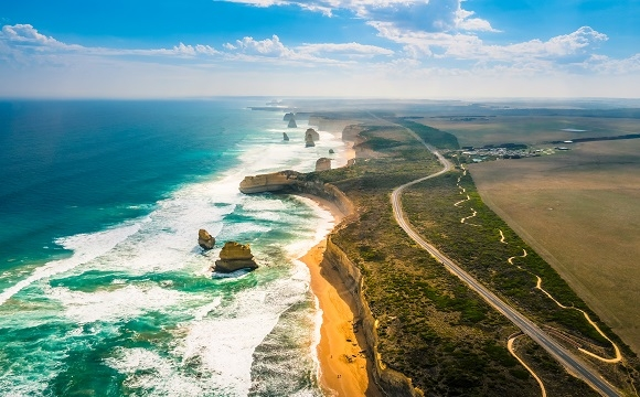 "Les 10 plus belles routes au monde à faire en moto - La ""Great Ocean Road"" en Australie"