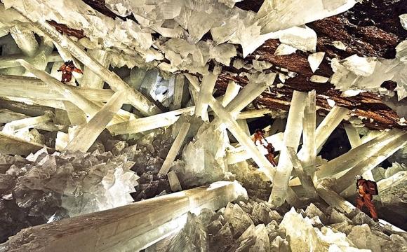 Les 10 plus belles grottes du monde - Grotte des Cristaux