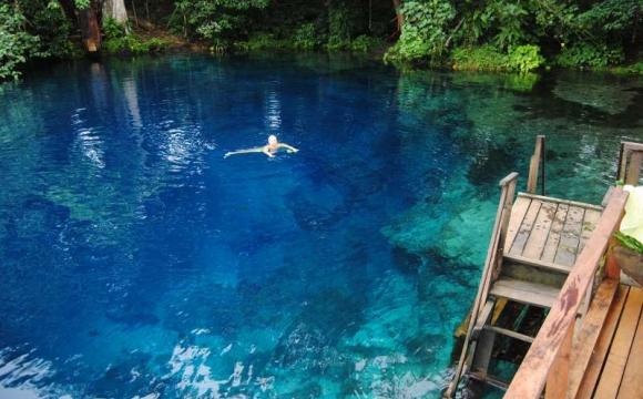 Les 10 plus belles piscines naturelles au monde - Nanda Blue Hole au Vanuatu