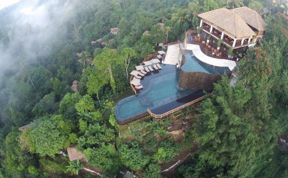 Les 10 plus grandes piscines du monde - Les Hanging Gardens à Bali