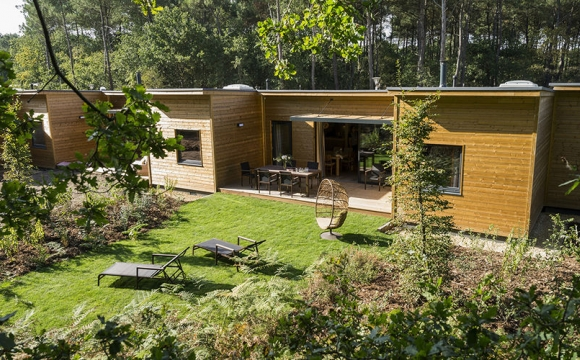 Pourquoi Center Parcs est la destination idéale pour des vacances en famille ?  - 3) Pour ses cottages conviviaux et chaleureux