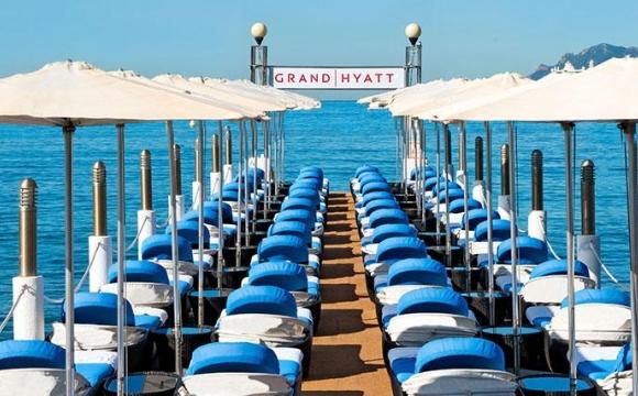 Les 10 plus beaux bars sur la plage - Grand Hyatt Hôtel Martinez, Cannes