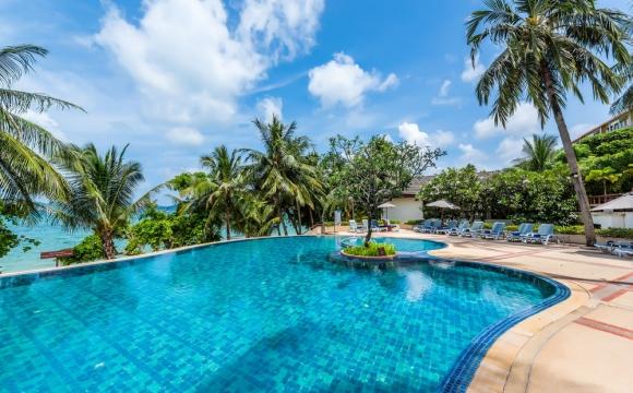 Phuket : 8j/7n vols + hôtel + petits-dej pour 715 €/pers ! - Votre hôtel : Votre chambre en bord de mer, petits déjeuners compris