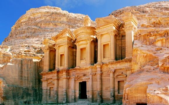 Quelles sont les 7 merveilles du monde ? - La cité de Pétra en Jordanie