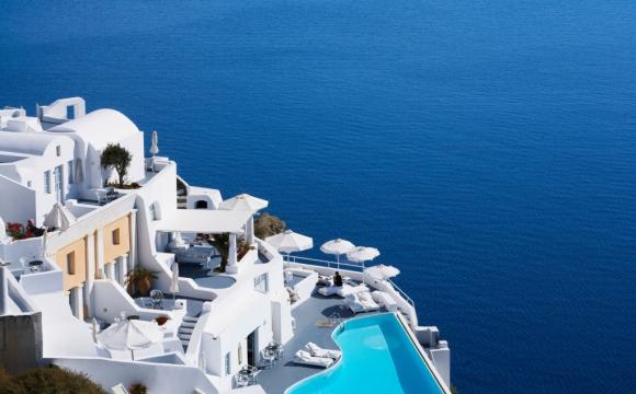 8 hôtels où l'on aimerait vivre à l'année - Katikies hôtel, à Santorin en Grèce, le paradis blanc