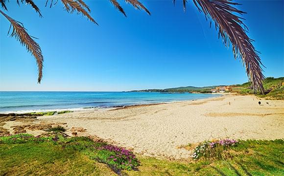 Les 10 plus belles plages de Sardaigne - Le Bombarde, plus animée