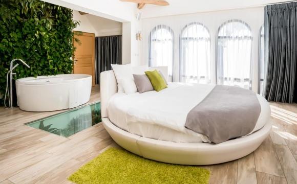 10 chambres d'hôtel en France avec jacuzzi -  Le Clos des Vignes, Neuville-Bosc