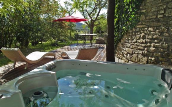 10 chambres d'hôtel en France avec jacuzzi - Le Domaine de Monteils, Carnas