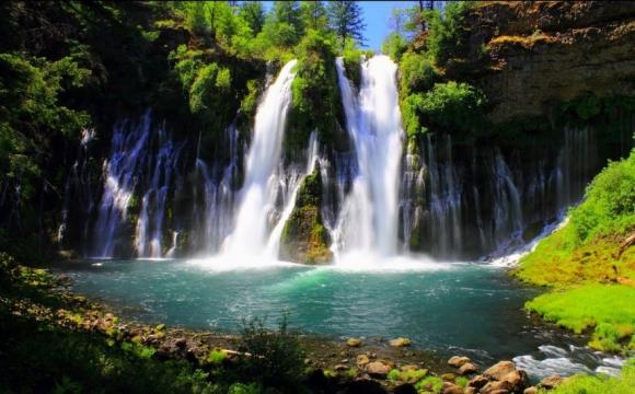 Les 10 plus belles cascades du monde - Chutes de Bruney