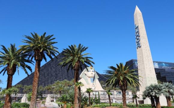 Les 10 plus grands hôtels du monde - Le Luxor à Las Vegas