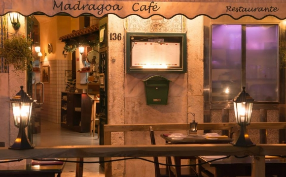 10 bars pour écouter du Fado à Lisbonne -  Madragoa Café