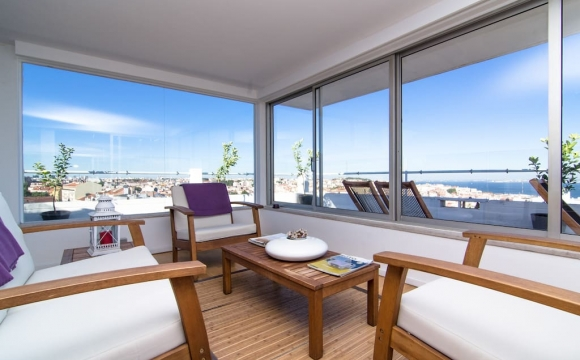 Les 10 plus belles maisons où passer l'automne reperées sur Airbnb - The House, Lisbonne - Portugal