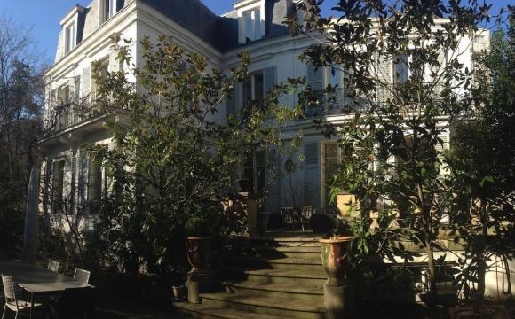 Les 10 plus belles maisons où passer l'automne reperées sur Airbnb - Hôtel particulier dans le 16ème à Paris