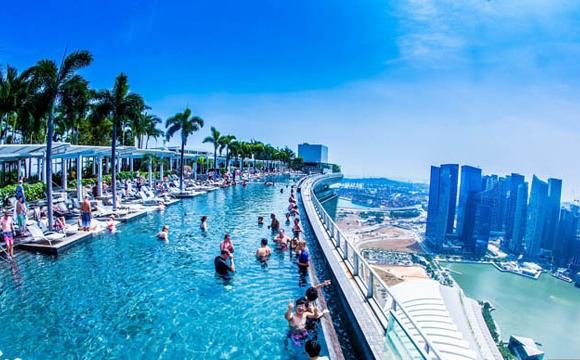 Les 10 plus grandes piscines du monde - Le Marina Sands SkyPark à Singapour !