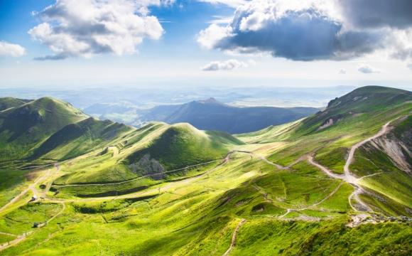 Les 10 plus belles routes de France - La route des Puys d'Auvergne