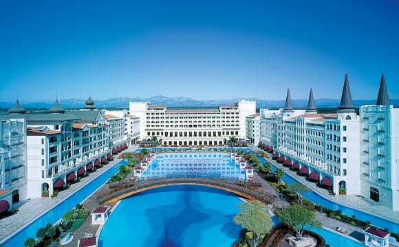 10 hôtels avec une piscine exceptionnelle - Palais Mardan, Turquie