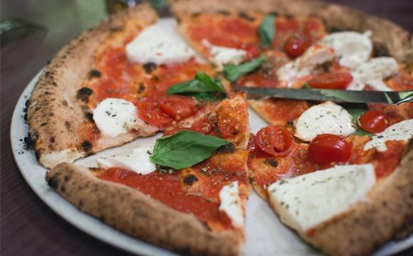 10 raisons pour lesquelles on adore l'Italie - La pizza, le symbole de la cuisine italienne