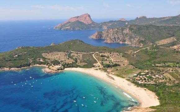 10 lieux magiques pour une demande en mariage - La Corse, la plage d'Arone