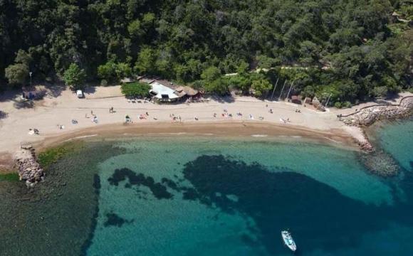 Les 12 plus belles plages du Sud Est de la France - La pointe de l'Aiguille