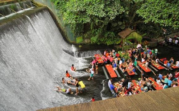 10 restaurants situés dans des endroits sensationnels - Waterfall Restaurant, San Pablo